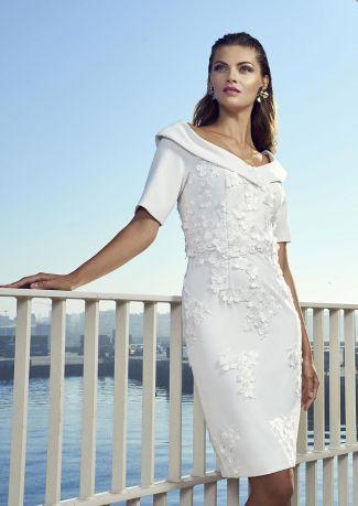 Vestido cóctel blanco con aplicaciones bordadas