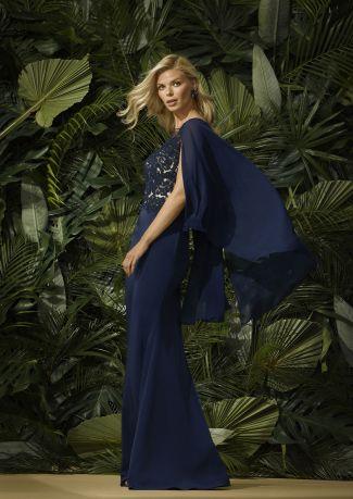 Vestido fiesta cuerpo bordado y capa en gasa de seda