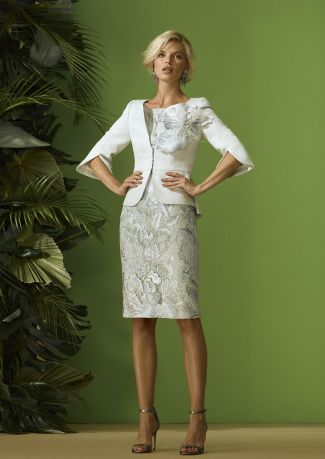 Chaqueta fiesta de Jacquard con adorno floral y vestido fiesta bordado